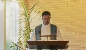 Ds. Klijnsma op de preekstoel 2