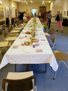 Paasontbijt 2016 de eerste gasten worden verwelkomd
